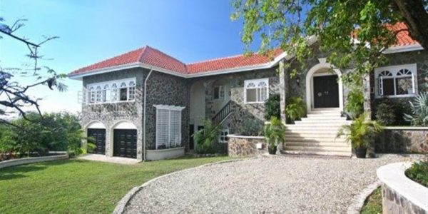 villa for sale at cap estate